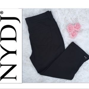 🎊 NYDJ Black Karen Capri Stretch Pants Sz 8 w/gem